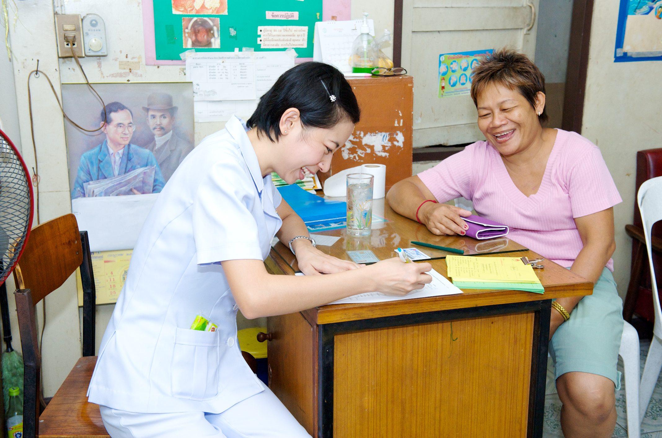 ตรวจวินิจฉัย มะเร็งเต้านม ให้กับสตรีด้อยโอกาส ในกรุงเทพฯ